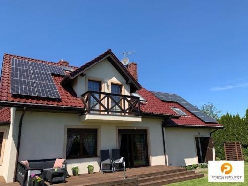 panele fotowoltaiczne na dachu 16