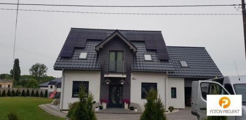 panele fotowoltaiczne na dachu 8